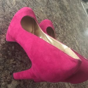 Pink closed toe heels-SIZE 11